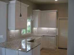 white shaker kitchen cabinets backsplash what color subway tile backsplash with white shaker cabinets