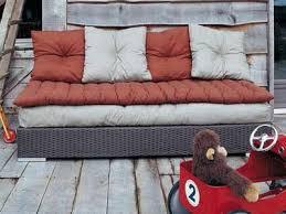 gros coussins canapé gros coussin pour canapé en palette canapé palettes