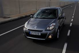 renault clio hatchback 2005 2012 features equipment and