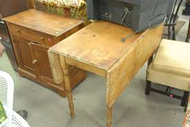 Pine Drop Leaf Table Auction Catalog U2013 Nadeau U0027s Auction Gallery