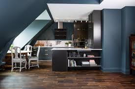 peinture mur cuisine tendance design interieur couleur pour cuisine tendance bleu canard pétrole