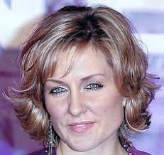 amy carlson shortest hairstyle the law order prosecutor hotness rankings the o jays law