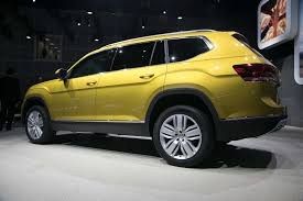 volkswagen suv 3 rows 2018 volkswagen atlas first look cuv debuts with u0027massive