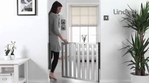Munchkin Gate Lindam Numi Aluminium Safety Gate Youtube