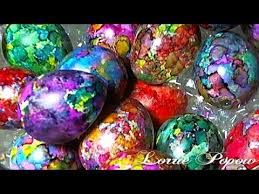 Decorating Easter Eggs With Silk by Diy Learn How To Decorate And Color Easter Eggs With Alcohol Inks