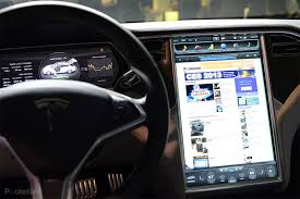 tesla model s 17 inch screen pictures and hands on pocket lint
