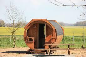 chambre d hote insolite normandie hebergement insolite normandie dormir dans un tonneau en