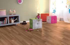 sol chambre bébé le sol pvc pour la chambre d enfant trouver des idées de