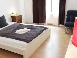 Schlafzimmer Komplett Aus Polen 3 Zimmer Altbauwohnung Pb3 Fewo Direkt