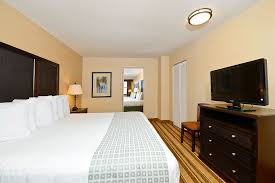 2 bedroom suites in daytona beach fl lexington inn suites daytona beach 2018 room prices deals