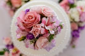 wedding flowers kansas city it s all in the details cakes alyssa barletter photography