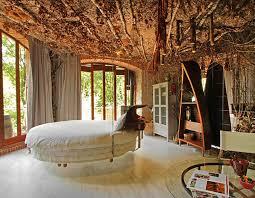 une chambre lit rond au cœur d une chambre au design original design feria