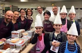 cuisine en famille hostellerie de levernois cours de cuisine en famille ateliers