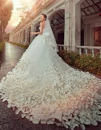 gorgeous wedding dresses gorgeous sweetheart wedding dress cathedral flowers