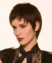 gamine hairstyles for mature women short gamine haircut with elongated tapering in the nape area