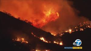 Wildfire La Area by Raging Wildfire Burns At Least 1 000 Acres Near Castaic Lake