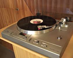 vintage vinyl player collection 1001 hi fi the stereo museum