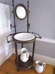pot de chambre ancien meuble de lavoir avec ses pots de chambre histoire magog