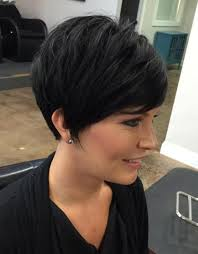 hair styles with your ears cut out 70 cute and easy to style short layered hairstyles
