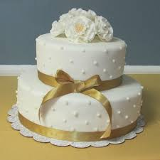 golden wedding cakes best 25 50th wedding anniversary cakes ideas on