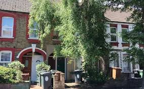 at 25 000 is this the cheapest flat for sale in london
