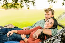 chip and joanna gaines contact fixer upper chip u0026 joanna gaines were u0027broke u0027 before hgtv