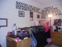 Dorm Room Wall Decor by Photo Collages Collage And Colleges On Pinterest College Dorm