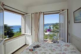 chambre vue sur mer chambre vue mer avec terrasse ou balcon