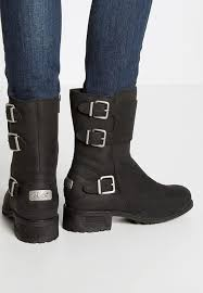 womens ugg motorcycle boots ugg mini ii sale ugg wilcox boots black shoes ugg