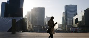 bureau change la defense these 5 charts how big the pay gap is between and