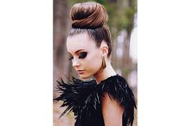 hairstyles that thin your face 3 hairstyles that make your face look thinner bebeautiful