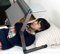 Laptop Desk Bed Thanko Bed Desk For Laptop Gizmo Chunk