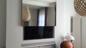 meuble tv caché bien meuble pour cacher tv 1 motorisation ecran solutions sur