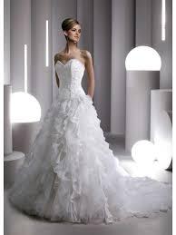 robe de mariã e grise et blanche robes de mariée soldées idée mariage