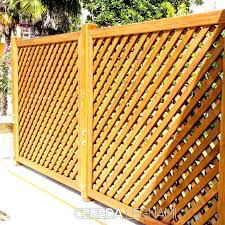 di legno per giardino divisori in legno per esterni con griglie in legno per giardino