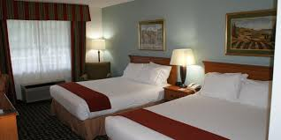 Oak Express Appleton Wi by Holiday Inn Express Fayetteville Hotel By Ihg