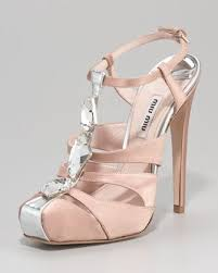 wedding shoes neiman 235 best shoe heaven images on shoes bridal shoes and
