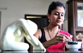 picture 768778 actress anukriti govind sharma spicy saree