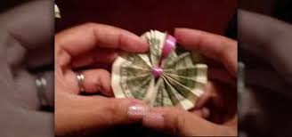 Money Leis How To Origami Money To Make A Hawaiian Money Lei Origami