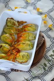 cuisiner des courgettes au four fleurs de courgettes au four farcies à la ricotta recette