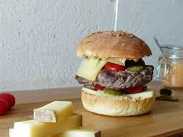 cuisiner un hamburger cuisiner un hamburger beautiful hamburger au té et pesto rosso dans