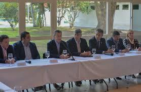 uatre nueva escala salarial para los trabajadores agrarios macri firmó un convenio de productividad con la uatre y
