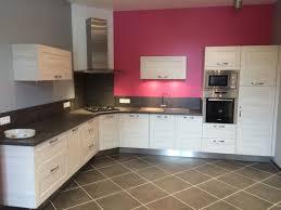 cuisine en angle réalisation cuisines couloir modèle bois scié sur cadre