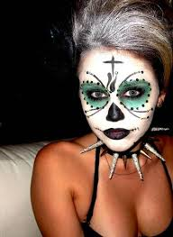 Miley Cyrus Halloween Costume Ideas Miley Cyrus Is A Goth Kitty For Halloween Weird I Like It