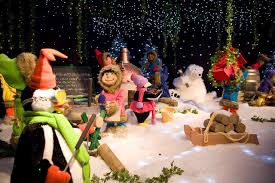 Animated Christmas Lawn Decorations by Animated Commercial Christmas Decorations Christmas2017