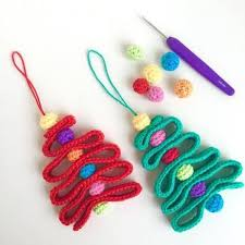 free crochet christmas tree ornament by poppyandbliss crochet