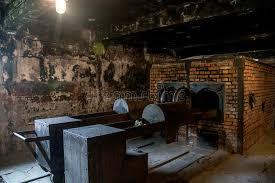 chambre a gaz c auschwitz birkenau kz pologne de concentration en chambre à