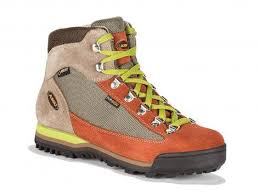 s winter hiking boots australia 10 best hiking boots for the independent