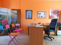 bureau de la directrice un bureau de direction tout en couleurs etablissement