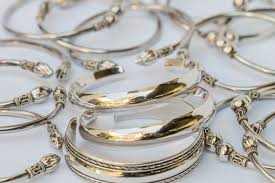 metal allergy jewelry allergic reactions to silver jewelry livestrong